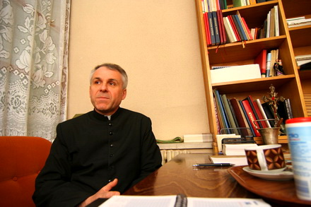 interviu cu monseniorul ieronim iacob noul preot al bazilicii sfantul anton am fost primul preot capelan