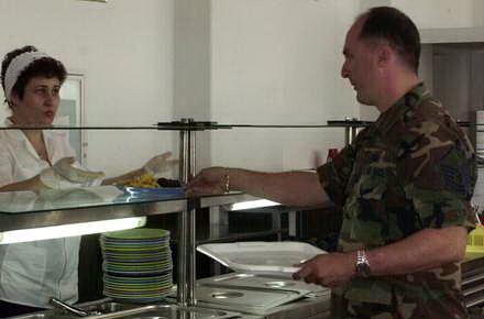 licitatie_-_militari_sala_de_mese.jpg