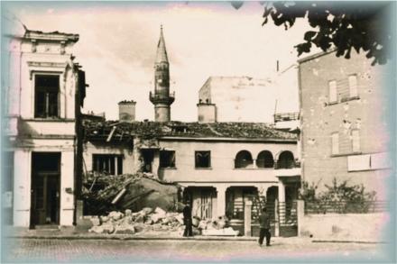 20_bombardament_piata_unirii_4.jpg