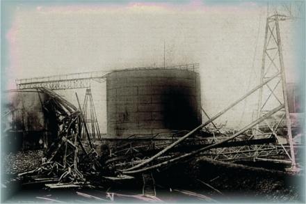33_bombardament_petrol_3.jpg