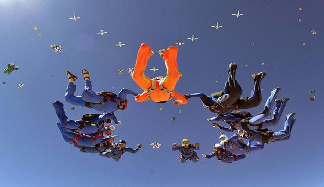 parasutism, acrobatii, record mondial