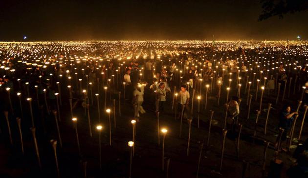 lumina pacii, filipine, protest, record mondial