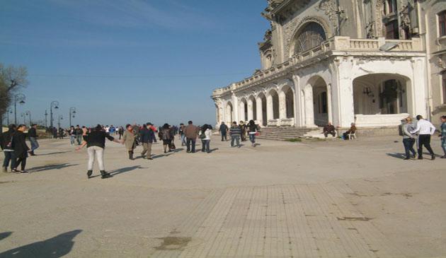 Fotoreportaj, Faleza Cazinoului din Constanta, atractie, Paste