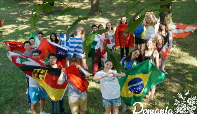 Mamaia, gazda evenimentului Global Village: 60 de studenti straini vor prepara bucate la Colegiul Comercial Carol I`
