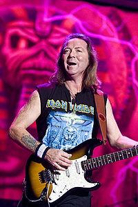Pagini din istoria muzicii rock: Chitaristul Dave Murray (Iron Maiden) implineste 58 de ani(...)