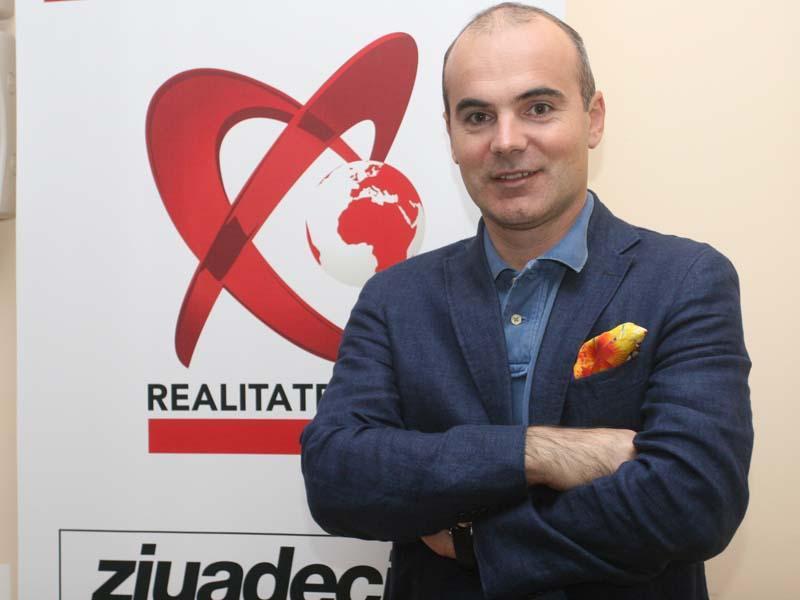 Rares Bogdan Picture: Rareş Bogdan, La Realitatea TV: La Constanţa, în Afară De