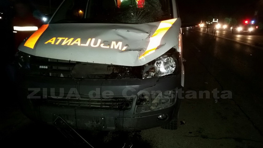 UPDATE3-O ambulanta implicata intr-un accident rutier, la Constanta. Un pieton a murit!  (galerie foto+video)