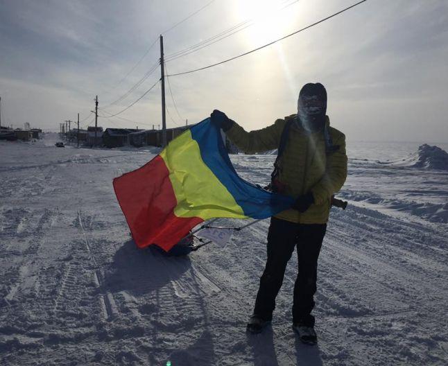 Steagul Romaniei, fluturat la Polul Nord!: Un roman a castigat cel mai solicitant ultramaraton din lume