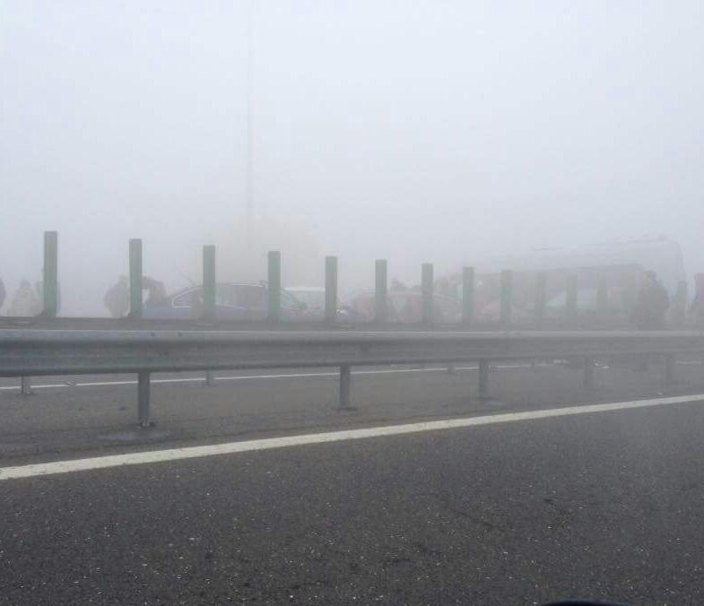 carambol pe autostrada soarelui din cauza cetii dense 613555