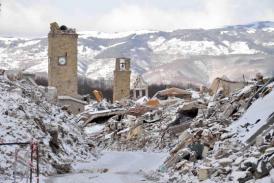 MAE Doi cetățeni români - supraviețuitori ai avalanșei din Italia