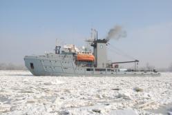 Remorcherul Grozavul va interveni în sprijinul populaţiei civile din Delta Dunării
