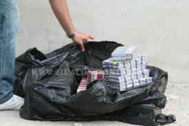 Prinși de către polițiștii constănțeni, în timp ce comercializau ţigarete netimbrate