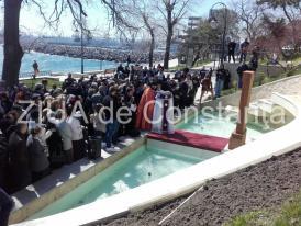 Eveniment emoţionant pe faleza Cazinoului. A fost dezvelit primul hacikar, o cruce din piatră sculptată manual în Armenia (galerie foto)