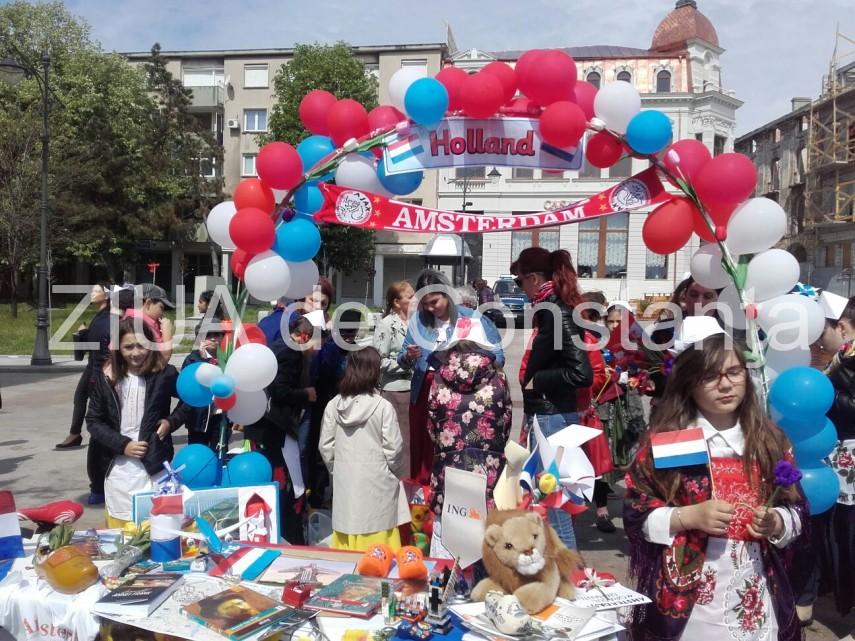 Atmosfera de sarbatoare, in Piata Ovidiu, pentru a celebra Ziua Europei (galerie foto)