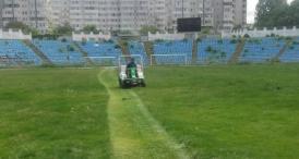 """UPDATE. Suporterii curăţă din nou stadionul """"Farul"""" SSC Farul află sâmbătă adversara de la barajul pentru Liga a 3-a"""