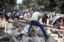 Imagini tragice după seismul care a zguduit Mexicul. Peste 200 de morţi (fotoreportaj)