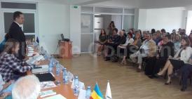 """La Cumpăna s-a desfăşurat o conferinţă în cadrul campaniei naţionale """"România se ridică în picioare pentru asistenţa socială"""" (galerie foto)"""