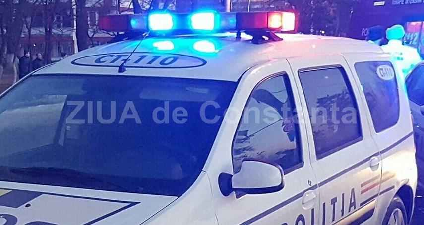 Accident rutier grav. Un autoturism a lovit o caruta nesemnalizata. Printre victime se afla si doi copii