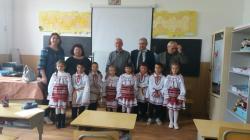 """Ziua Dobrogei sărbătorită de elevii Școlii """"Iuliu Valori"""" din Nisipari. Invitații le-au împărtășit elevilor din experiența lor (galerie foto)"""