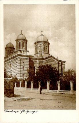 """Catedrala Episcopală """"Sfinții Apostoli Petru și Pavel"""", un simbol al zonei peninsulare a Constanței, surprinsă în anul 1925"""