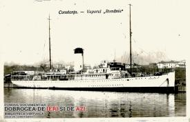 """Vaporul """"România"""", în apele Mării Negre, la Constanța, în anul 1934"""