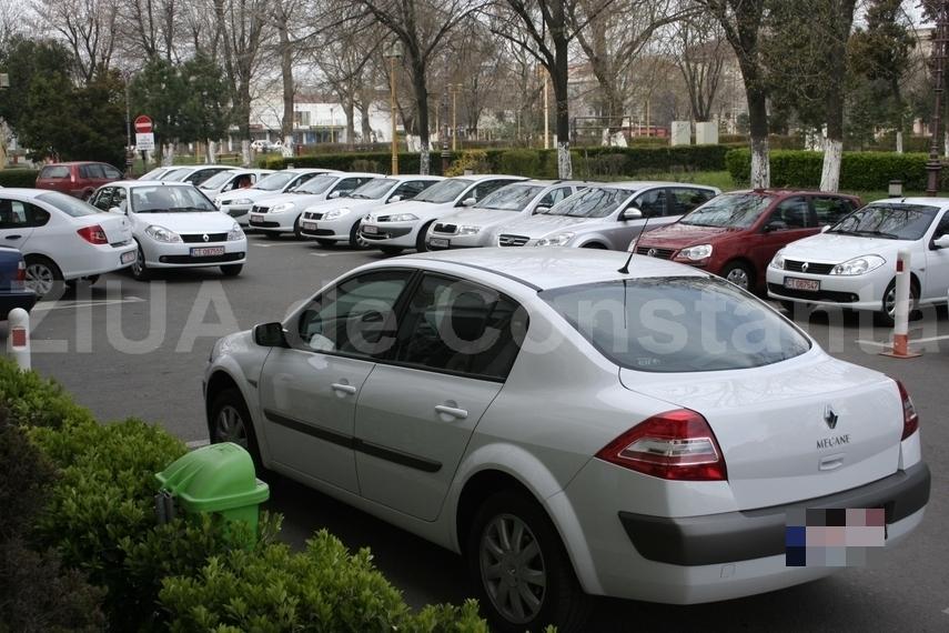 Primaria Constanta si-a reinnoit parcul auto cu autoturisme cumparate de la Alba Iulia (document)