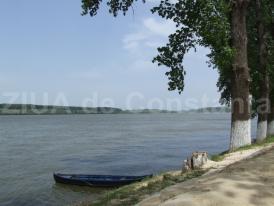 Accident naval pe Dunăre. Un bărbat este dat dispărut. Pompierii nu pot interveni din cauza condițiilor meteo