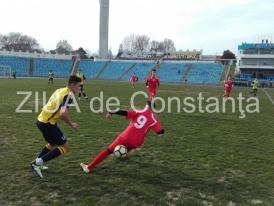 Imagini de la eveniment SSC Farul, înfrângere în amicalul cu Abatorul Slobozia. Constănțenii au testat şi trei fotbalişti străini (galerie foto)