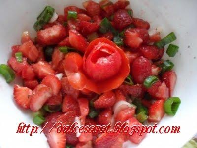3d67086c90149f51320f8a5d8f45dd61_salata_capsunirosii.jpg