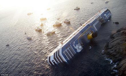 nava-costaconcordiasursafotoghimpele.ro.jpg