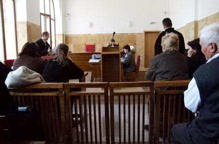 fincogero_tribunal_sala_de_judecata_30.jpg