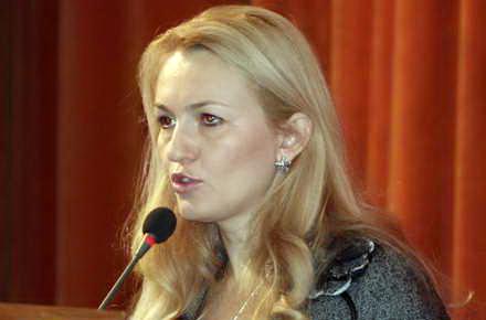 averi_sotii_-_Maria_Stavrositu_001.jpg