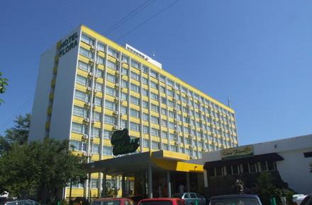 xenoti-HotelFlora.jpg
