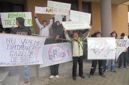 vama_verde_protest.jpg