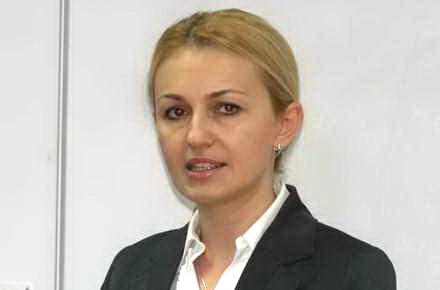 parlamentarii_si-au_luat_vaitu.jpg