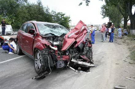 05_accident_-_accident_rutier_5_masini_Cobzariu.jpg
