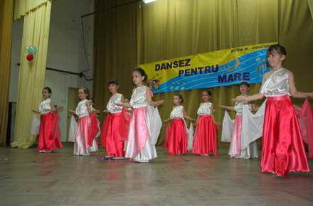 festival_dansez_pentru_mare_2.jpg