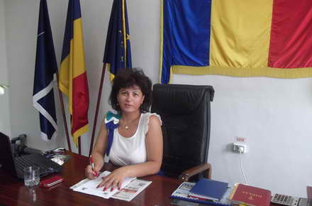 Kogalniceanu_primar_Anca_Belu.jpg
