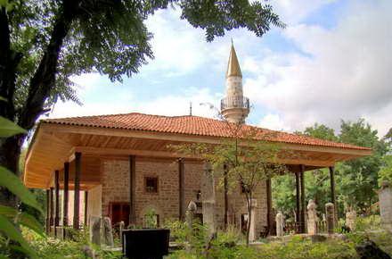 turisti_Moscheea_Esmahan_Sultan_Mangalia3.jpg