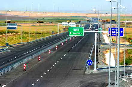 03_Palaz_Nicusor_autostrada.jpg