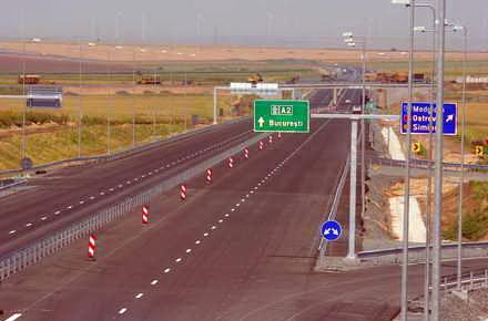 DESCHIDERE_Ce_ascunde_autostrada_soarelui_-_Autostrada.jpg