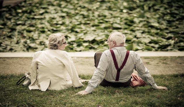 Divertisment, Banc, cuplu, casatorit