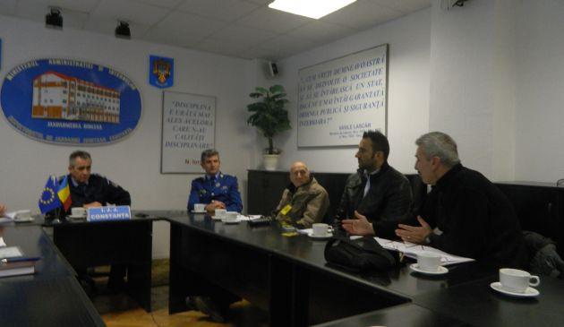 Jandarmii si cluburile sportive au dicutat pe marginea legii nr. 4/2008