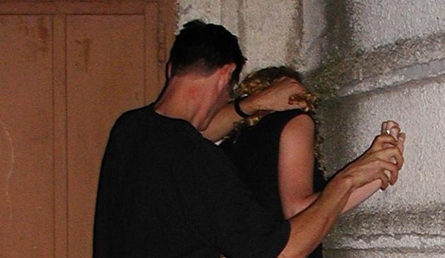 Сутенер избил проститутку проститутки рязань где можно снять
