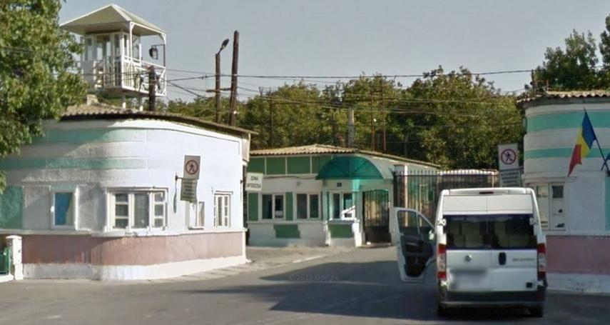 Imagini pentru poarta alba