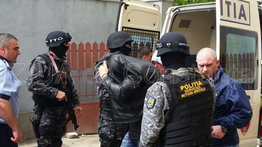 jaf de 100 000 de euro in navodari cinci persoane arestate preventiv in urma unor perchezitii din constanta