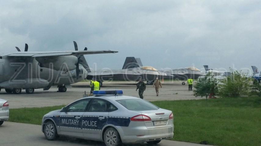 premiera nationala avioanele f22 raptor au aterizat pentru prima data pe aeroportul mihail kogalniceanu