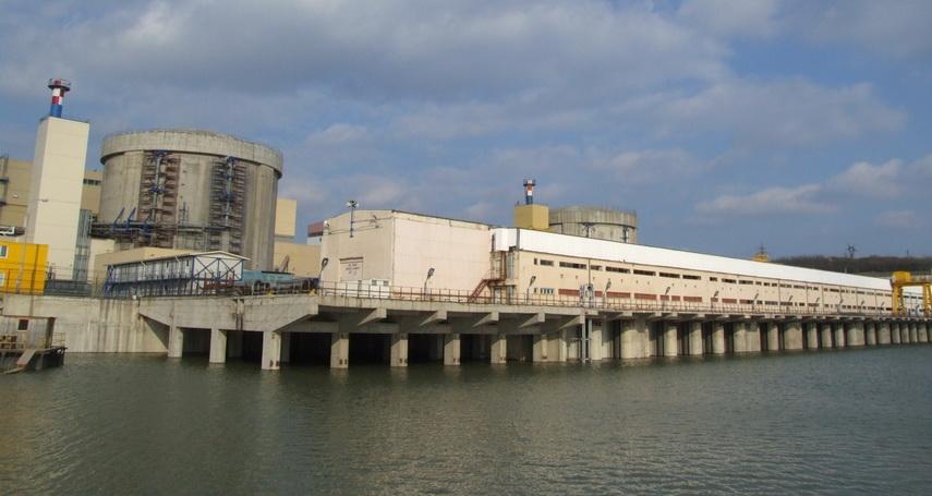 Imagini pentru reactoarelor 3 și 4 de la Cernavodă