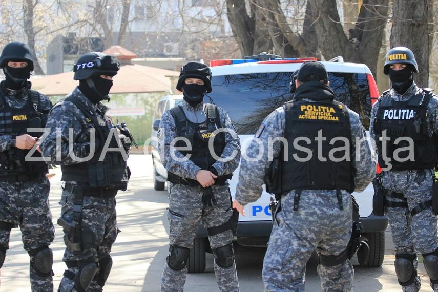 suspectul care ar fi agresat un politist sas in misiune a fost arestat ce au descoperit procurorii la