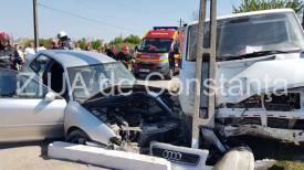 UPDATE. Imagini de la eveniment. Accident rutier grav în localitatea Siminoc județul Constanța. Victime, o femeie și copilul ei. Șoferița, încarcerată (galerie foto-video)